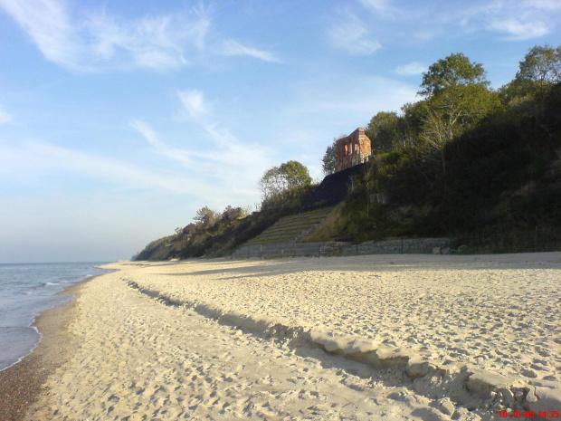 Plaża, ruimy, Trzęsacz #Trzęsacz #ruiny #plaża #morze
