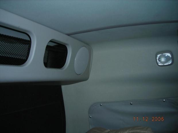 """""""Górne półki"""" w Volvo VN 780"""
