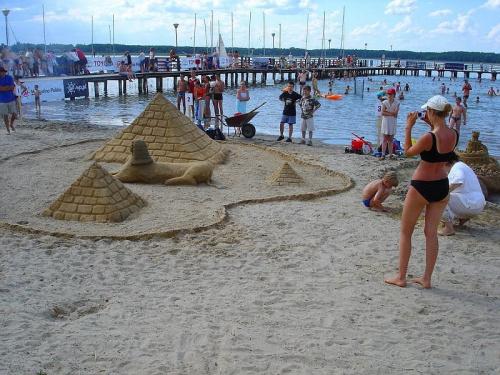 Jezioro Roś - Plaża Miejska. #JezioroRoś #BudowleZPiasku #PlażaMiejska #LATO2005 #Roś