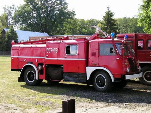 Podwozie: Typ A 26 P, Fabryka Samochodów Ciezarowych Starachowice Silnik: Typ S-474, 6-cylindrowy, benzynowy, gaźnikowy, górnozaworowy Pojemność: 4.680 cm3 Moc: 77 kW / 105 KM @ 3.000 obr./min. Maks. moment obrotowy: 304 Nm @ 1.650 obr./min. Zużycie pa...