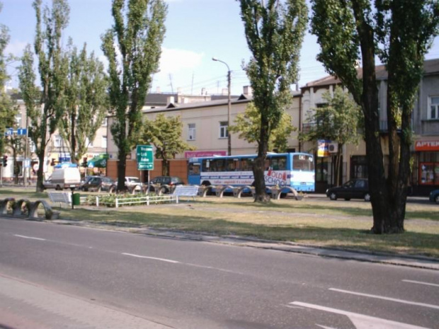 Plac Kościuszki, w tle M11 boczny 53 ( mój autobusik ) #tomaszów #jelcz #m11 #PlacKościuszki